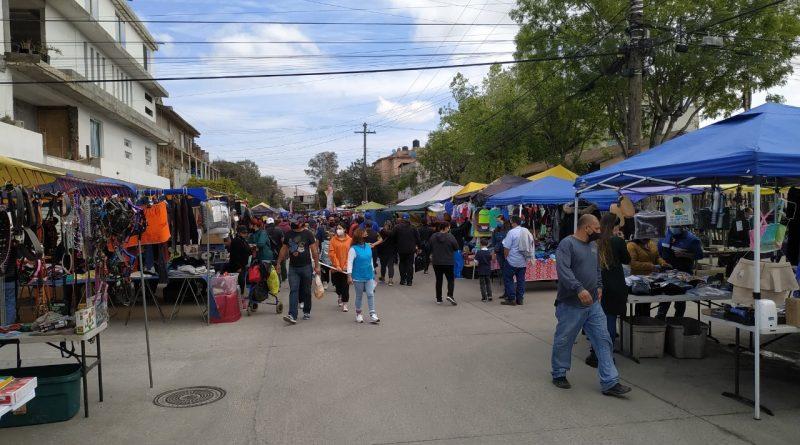 SANCIONA MUNICIPIO A 20 VENDEDORES AMBULANTES EN MERCADO SOBRERUEDAS POR NO RESPETAR PROTOCOLOS SANITARIOS